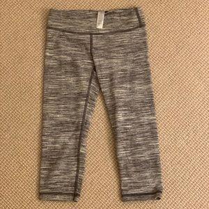 Girls Lululemon/ivivva cropped leggings.Great!!